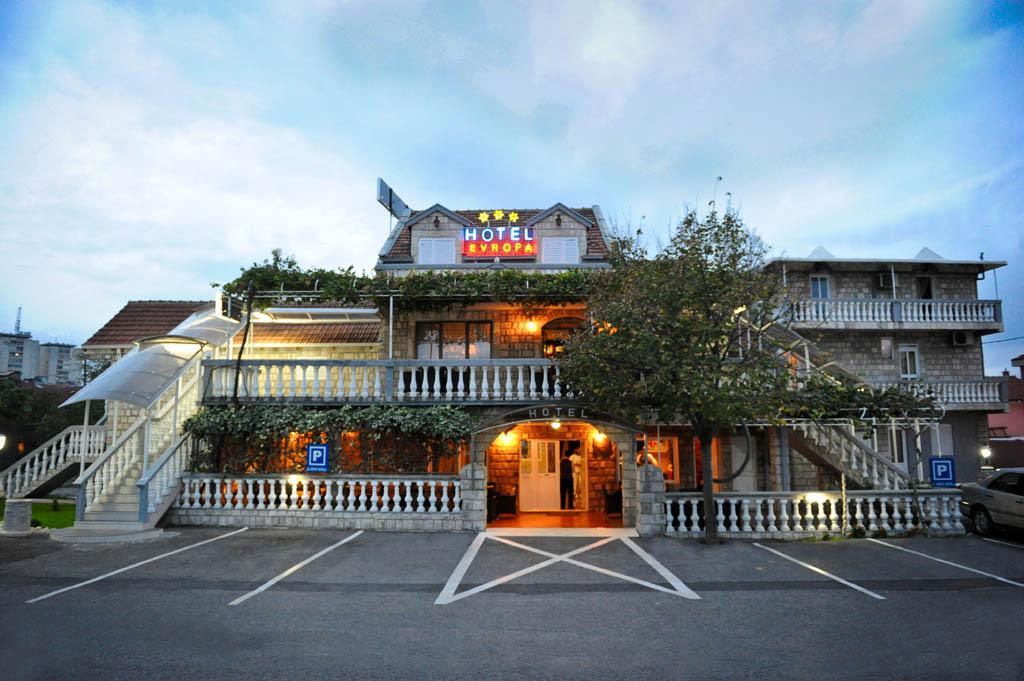 Hotel evropa podgorica montenegro for Cheap hotels in la porte tx